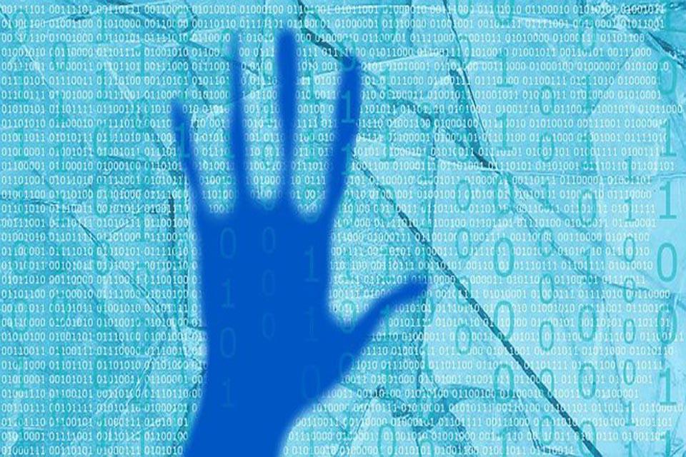 blue-hand-2228501__340